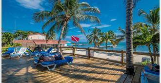 SunBreeze Hotel - San Pedro Town - Patio