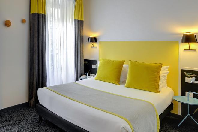 George - Astotel - Paris - Bedroom