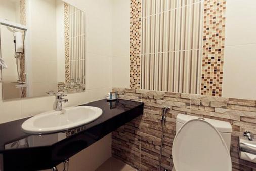 Excella Hotel - Ubon Ratchathani - Phòng tắm