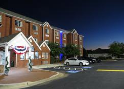 Microtel Inn & Suites by Wyndham Stockbridge/Atlanta I-75 - Stockbridge - Rakennus
