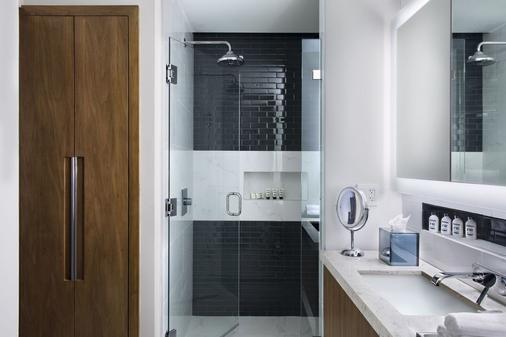 Circ Hotel - Hollywood - Bathroom