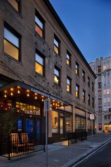 Commodore Hotel - Astoria - Rakennus