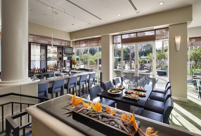 DoubleTree by Hilton San Diego - Del Mar - San Diego - Bar