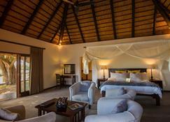 Inyati Game Lodge - Sabie Park - Schlafzimmer