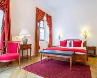 Romantik Hotel Burgkeller & Residenz Kerstinghaus - Майсен - Bedroom