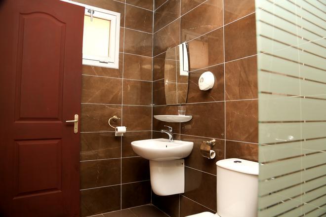 Hotel Du Plateau - Dakar - Bathroom