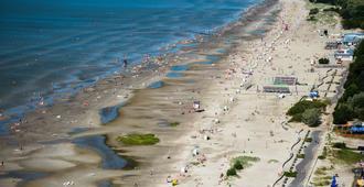 Pärnu Hotel - Pärnu - Beach