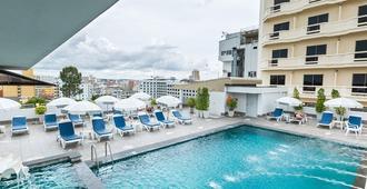 Flipper House Hotel - Pattaya - Svømmebasseng