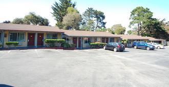 Monterey Surf Inn - Monterey - Building