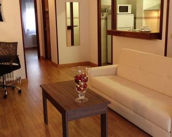 Apartamentos La Solana - Encamp - Wohnzimmer