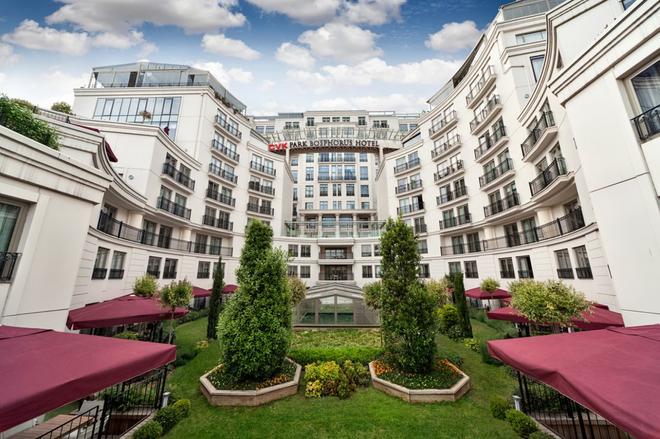 CVK Park Bosphorus Hotel Istanbul - Istanbul - Building