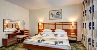 Izmailovo Alfa Hotel - Moscow (Matxcơva) - Phòng ngủ