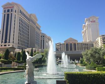 Caesars Suites at Caesars Palace - Las Vegas - Building