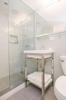 Hotel 32 32 - New York - Bathroom