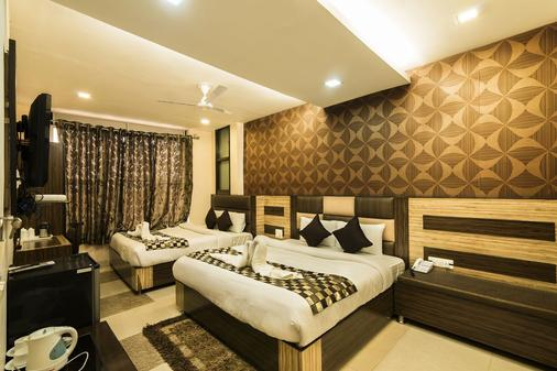 Hotel Puri Palace Amritsar - Amritsar - Bedroom
