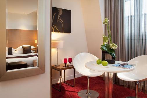 Villathena - Paris - Dining room