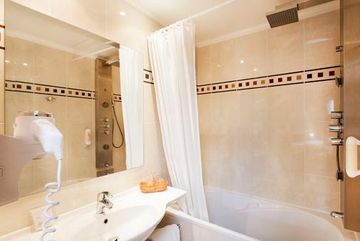 Hotel Champerret Elysees - Paris - Bathroom