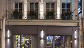 Hotel Le Petit Paris - Parijs - Gebouw