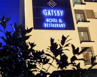 Hotel Gatsby by Happyculture - Chassieu - Gebäude