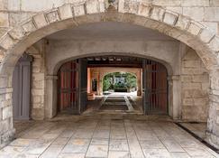 Résidence de France (Maison des Ambassadeurs) - La Rochelle - Building