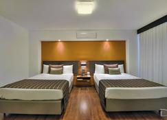 Hotel Deville Business Curitiba - Curitiba - Yatak Odası