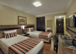 Hotel Deville Express Cascavel - Cascavel - Quarto