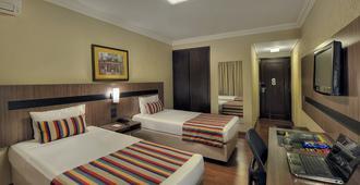 Hotel Deville Express Cascavel - Каскавел