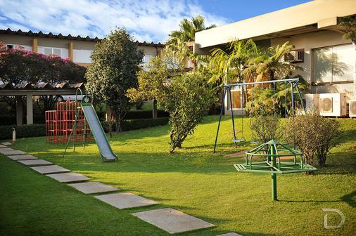 Hotel Deville Express Cascavel - Cascavel - Patio