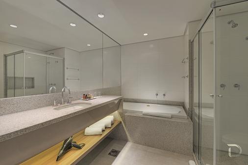 大格蘭迪德維爾總理酒店 - 格蘭德營 - 大坎普 - 浴室