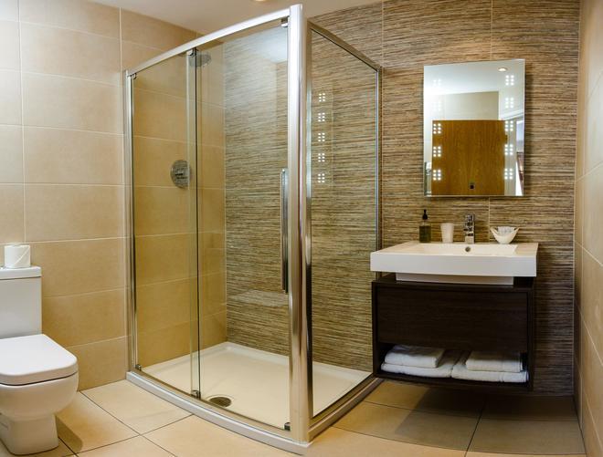 The Adamson Hotel - Dunfermline - Bathroom