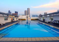 Ymca @ One Orchard - Singapore - Pool