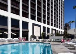 Beverly Hills Marriott - Los Angeles - Bể bơi