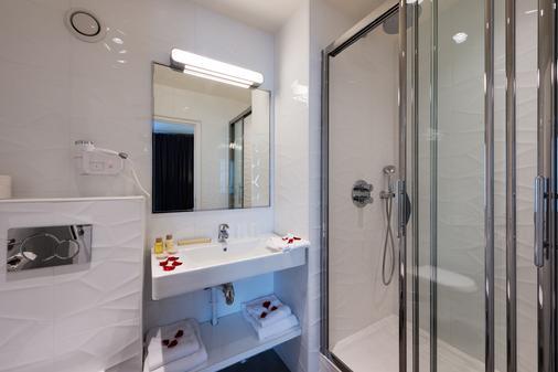 Midnight Hôtel Paris - Paris - Phòng tắm