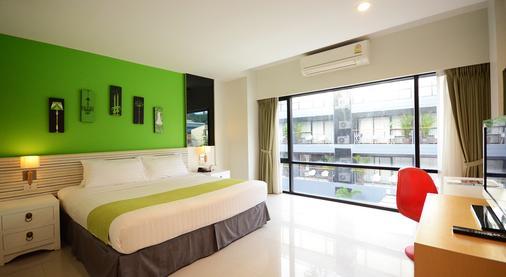The Lantern Resorts Patong - Patong - Bedroom