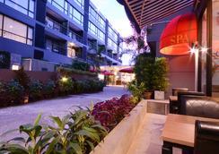 The Lantern Resorts Patong - Patong - Outdoors view