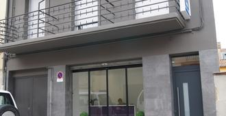 Bed&breakfast 10 Girona - Girona - Gebäude