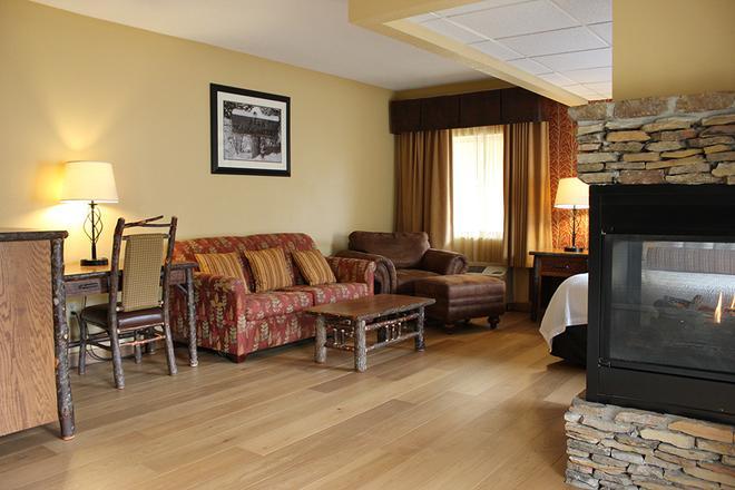Old Creek Lodge - Gatlinburg - Living room