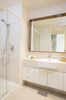 Melbourne Short Stay Apartments on Whiteman - Melbourne - Μπάνιο