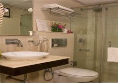 Rockland Hotel Panchsheel Enclave - New Delhi - Bathroom