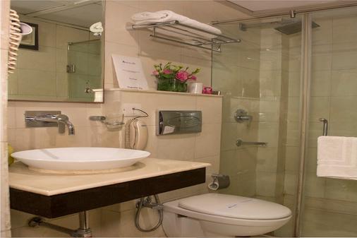 Rockland Hotel Panchsheel Enclave - New Delhi - Kylpyhuone
