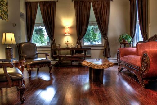 Queen Anne Bed And Breakfast - Denver - Living room
