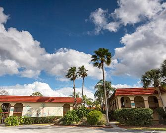 Maingate Lakeside Resort - Kissimmee - Building