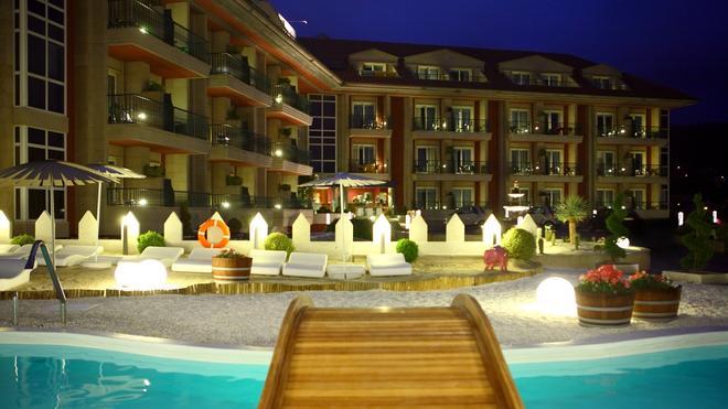 Augusta Spa Resort - Sanxenxo - Pool