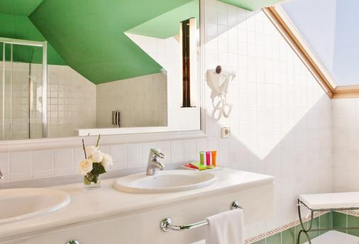 Augusta Spa Resort - Sanxenxo - Bathroom