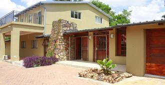 Karibou Inn Guest House - Johannesburg - Building