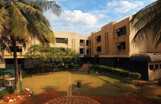 Konkan Crown Resort & Club - Sawantwadi - Building