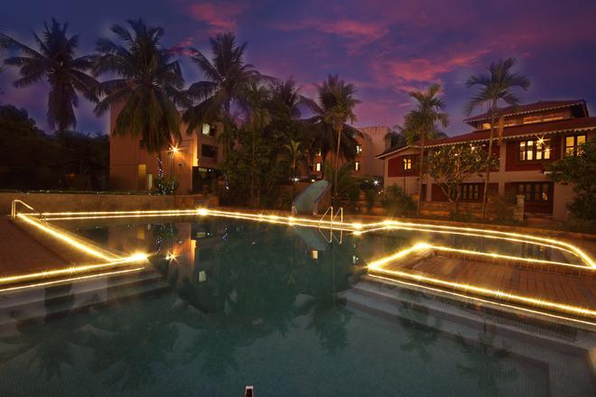 Konkan Crown Resort & Club - Sawantwadi - Pool