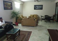 Namaste Bnb & Service Apartments - New Delhi - Lobby