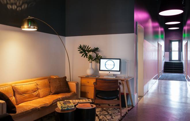 The 404 Hotel - Nashville - Living room