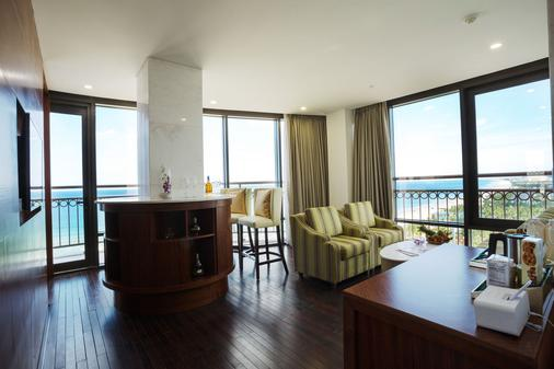 Holiday Beach Danang Hotel & Resort - Đà Nẵng - Bar